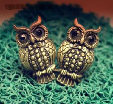 Twiny Owl by maggieannmay