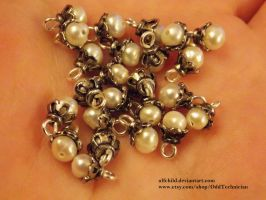Silver and Pearl Beads, only more! by ulfchild