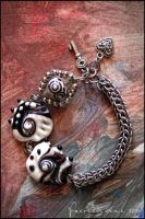 Glass-chain bracelet 1 by Faeriedivine