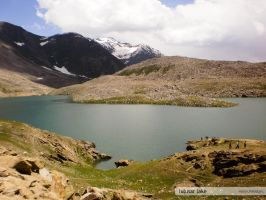 Lulusar Lake by hyperessence