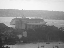 Cruise ship in the Harbour by JolanthusTrel