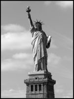 Statue of Liberty... by FIRSTxAIDxKIT