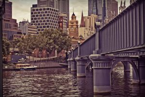Yarra to the Station by Mashtee