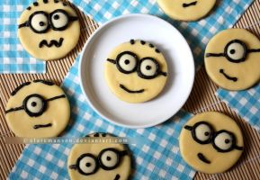 Minion Cookies by claremanson