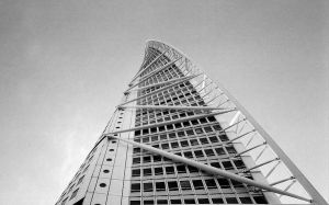 Turning torso - noir et blanc by mudridedotcom