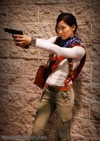 Female Nathan Drake Shooting by milkchess