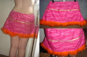pink stripey skirt. by sheshechan