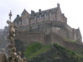 Edinburgh's castle by MrSandmanGR