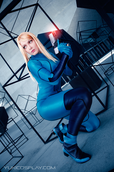 Samus Cosplay - Something there by Yukilefay