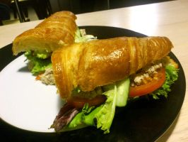 Tuna croissant at Blackwood's by plainordinary1
