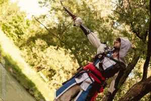 Edward Kenway shooting - cosplay by eyes1138