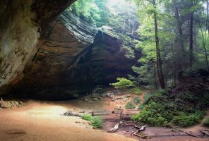 Ash Cave Ohio by Rav3nf13nd