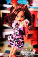 Clawdeen Goes Shopping by KittRen