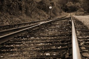 Looking down the tracks by lowjacker
