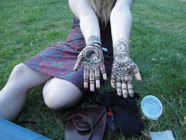happy henna by schizopop