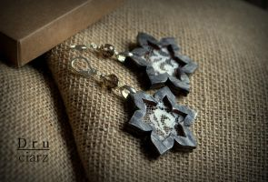 Winter star earrings by Borhann