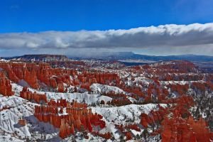 Bryce Canyon by ernieleo