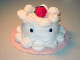 Strawberry Cake Plushie by uglykat