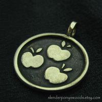 Bronze Applejack pendant by Sulislaw