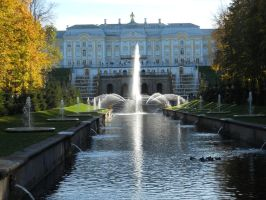 The Peterhof Palace by mit19237