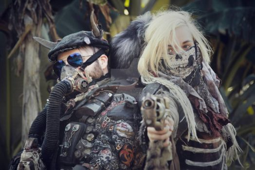 Apocalyptic Couple by RadRoachGear