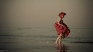 Madame Red~ on the sea by lucioleeteinte