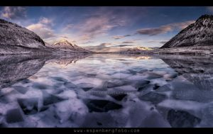 The icy mirror by berg77