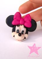 Minnie Magnet by missbeautifool