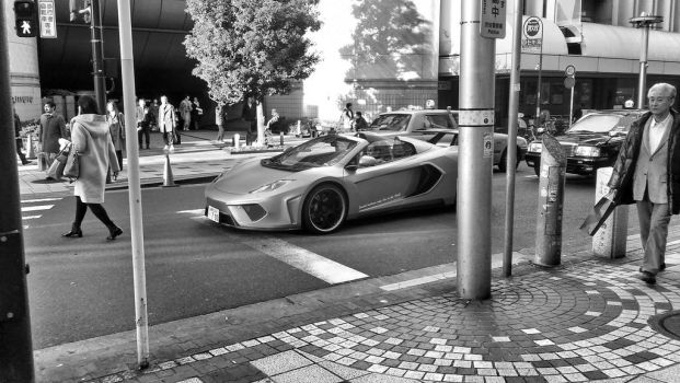 Spotted a McLaren by nmaeda