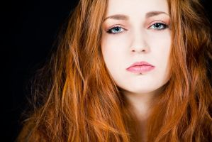 Red Hair. by Zwielicht-Art