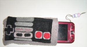 Nes controller mobile bag by niksqiky