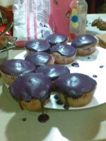 Purple cupcakes of HYPERNESS by tanmei