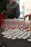 champagne flutes by Kerges-Tedy