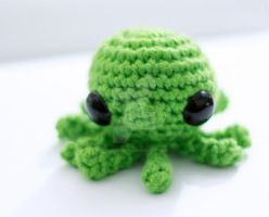 Green Baby Octopus 03 by tinyowlknits