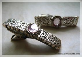 """Tender Kiss"" Hair Clips by Umeiwa"