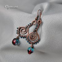 Hammered copper wire earrings by artual