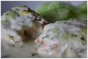 Salmon in wine sauce by DysfunctionalKid