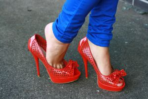 Red Heels - Tanja 005 by foot-portrait