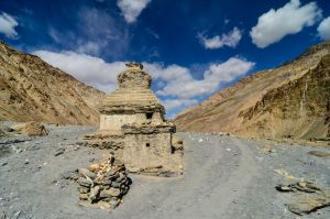 Marka Valley - Stupa by LLukeBE