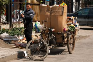 Shanghaian garbage collector by CunisiaInc