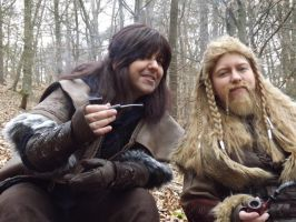 Hey Fili, look that sexy girl over there ... by Saki-Maru