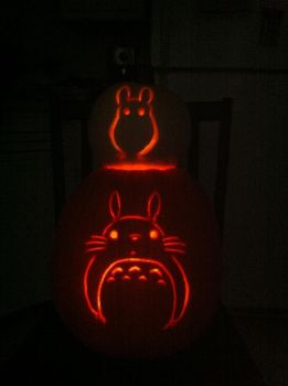 Totoro pumpkins by Pippin-chan