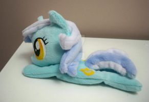 Lyra plush beanie by Yukamina-Plushies