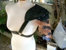Leatherscale Shoulder Armor by Girospiaum