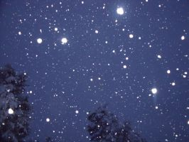 Night's Snow Fall by Moonstone27