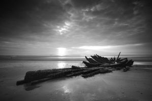 Wreck at Longniddry, Scotland by kharashov