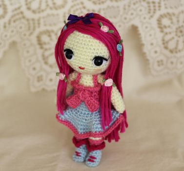 A little doll named Olivia by missdolkapots