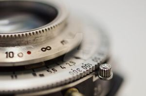 Lens-637558 by RobkenBR