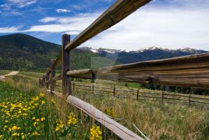 Mountain view in Colorado by EyeInFocus