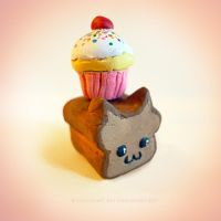 Breadcat and cupcake by solastri